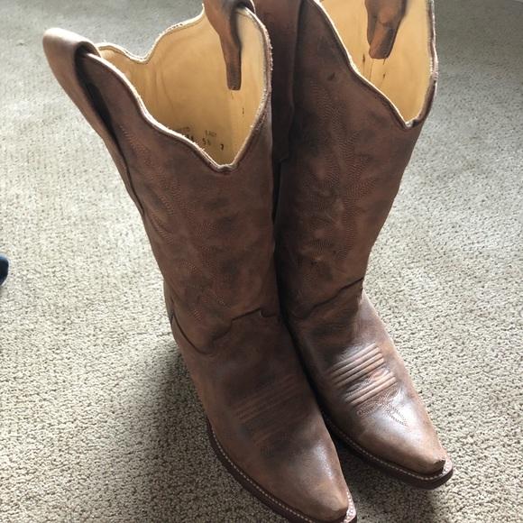 5d541c21fe4 Cowboys boots